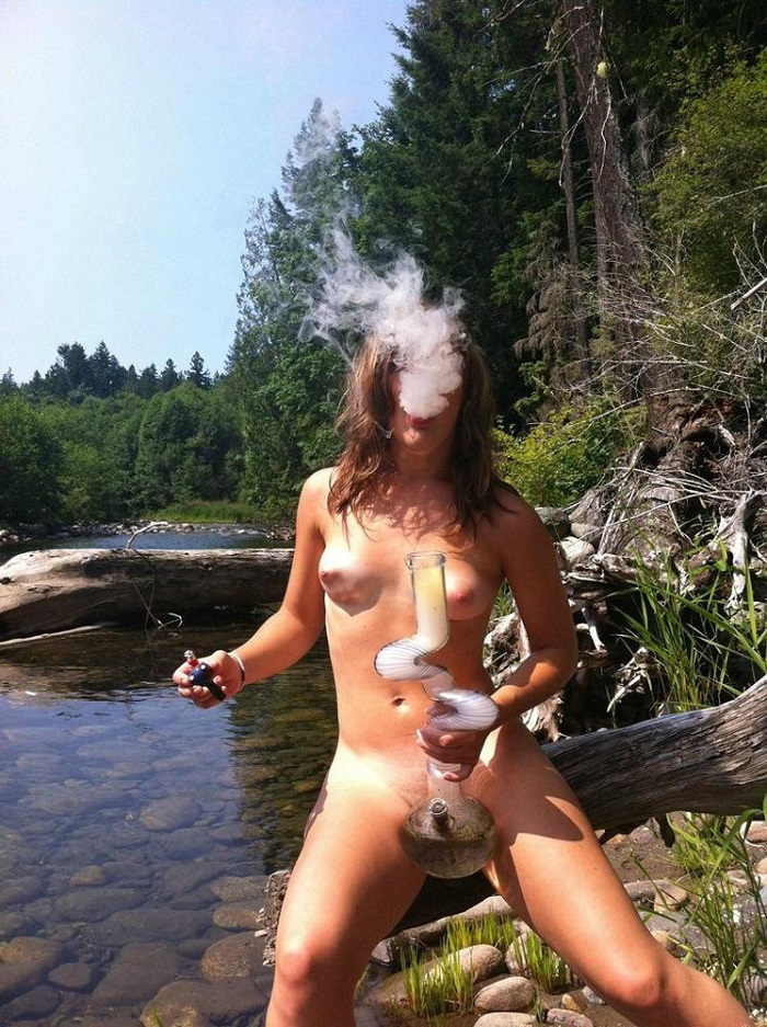 Women naked outside smoking mature