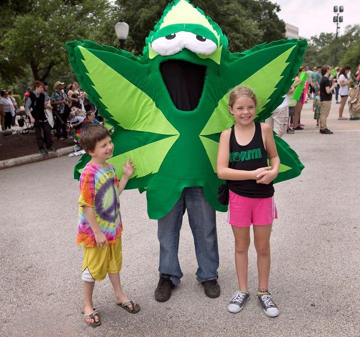 cannabis and marijuana Marijuana contains the mind-altering chemical thc some us states approve the use of medical marijuana read about marijuana and its effects.
