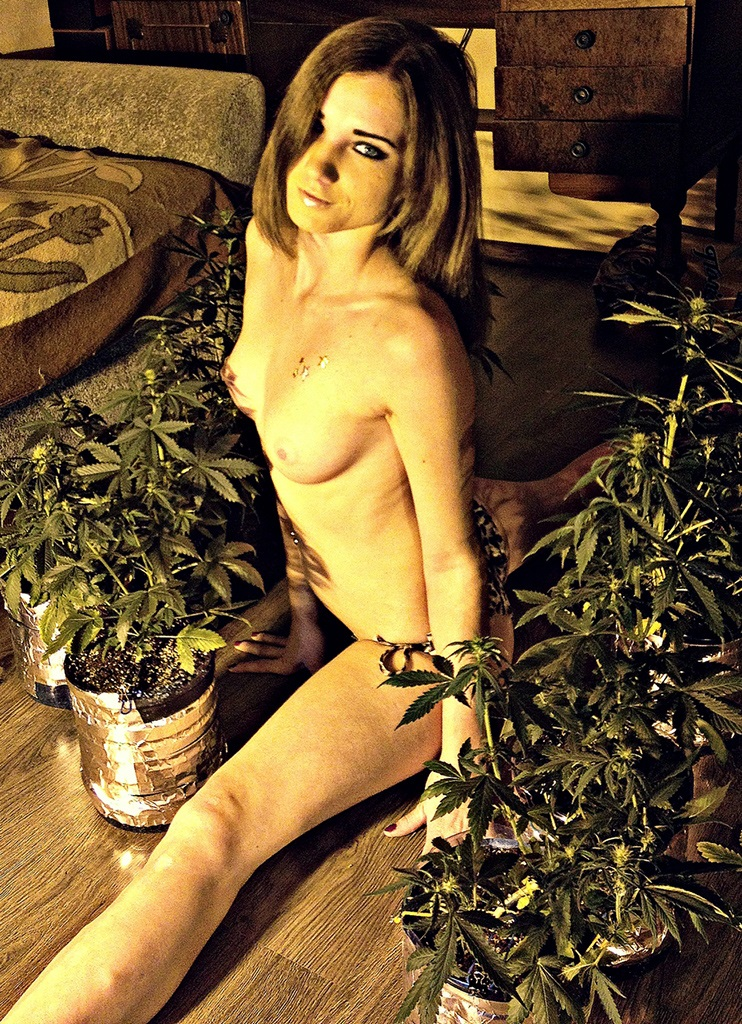 nud girls and weed